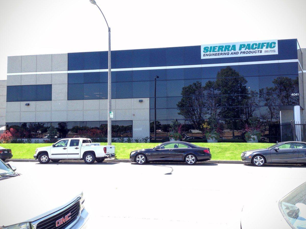 Commercial Exterior Silver 20 Reflective Window Film Long Beach
