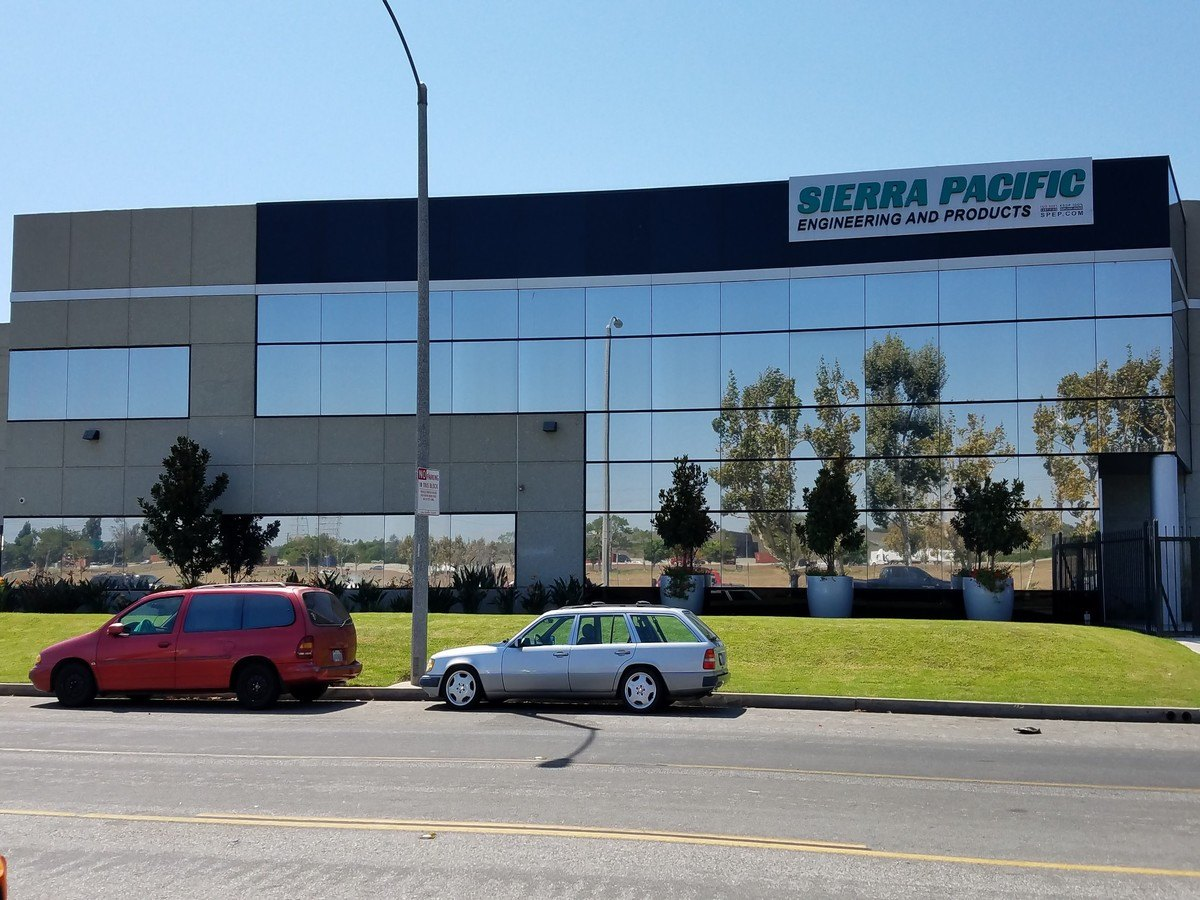 Commercial Exterior Silver 20 Reflective Window Film Long Beach